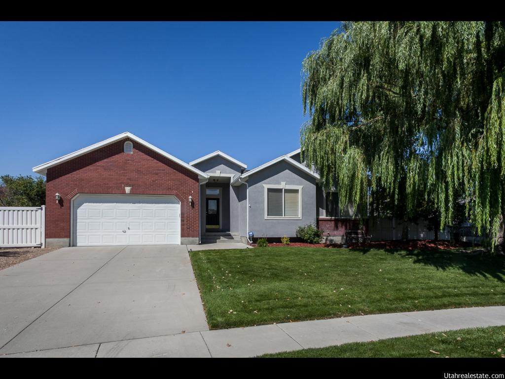 8594 S BINGHAM VIEW DR, West Jordan UT 84088