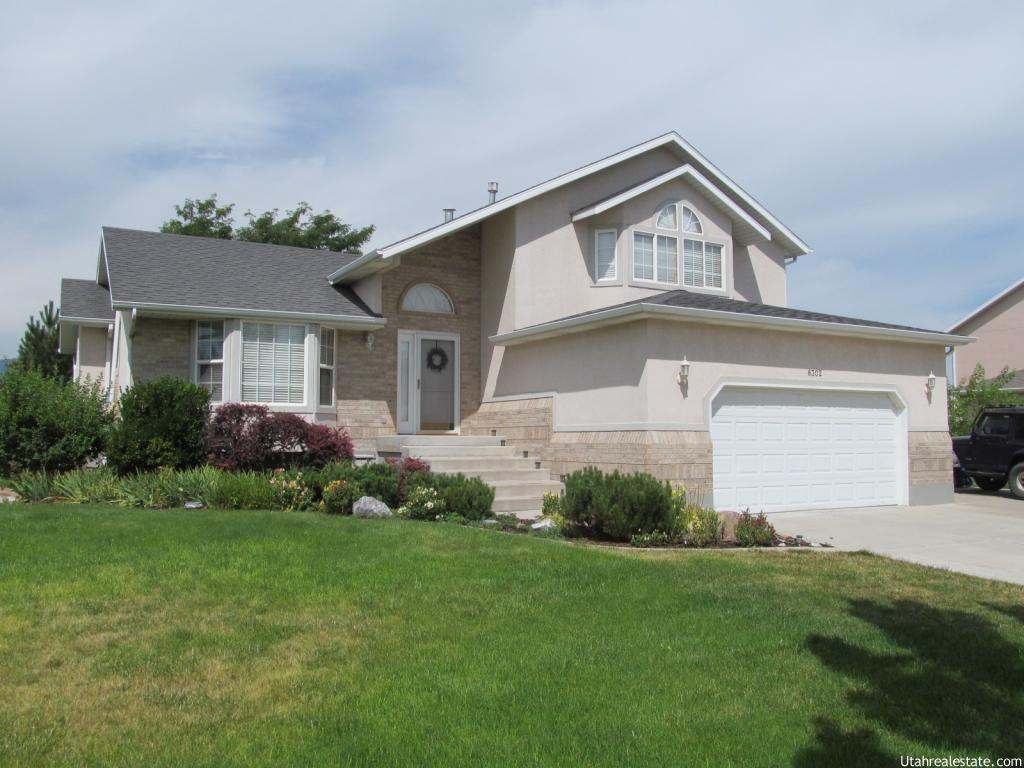 8302 SPRATLING DR, West Jordan UT 84081
