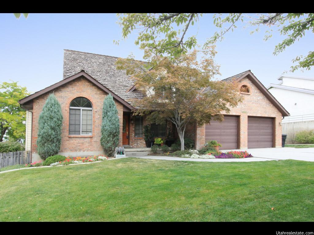 2241 E LONSDALE DR, Cottonwood Heights UT 84121