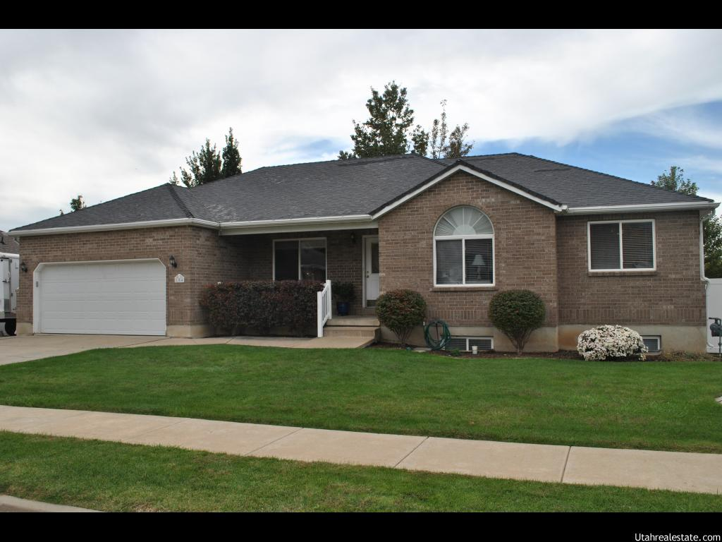 184 S INDIAN SPRINGS DR, Layton UT 84040