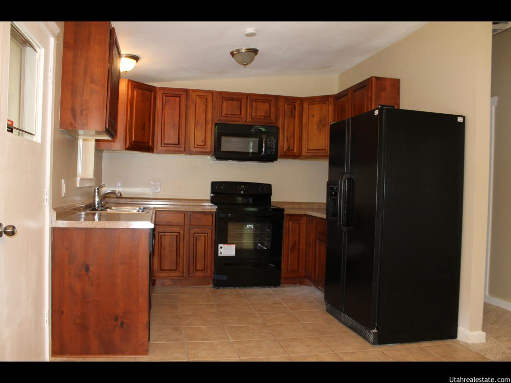 972 E 5600 S, Murray UT 84121