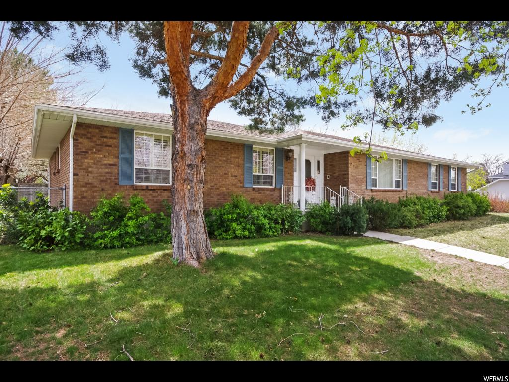 2164 E WORCHESTER DR, Cottonwood Heights UT 84121