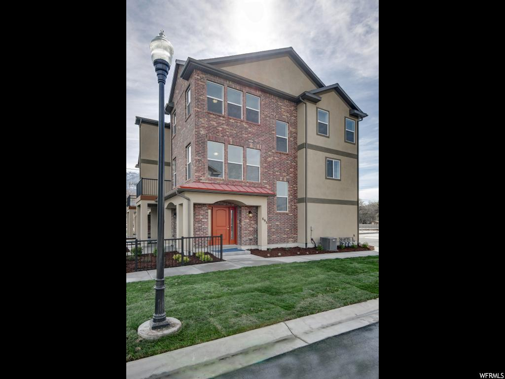 693 E BUCKIE CT Unit 28, Draper UT 84020