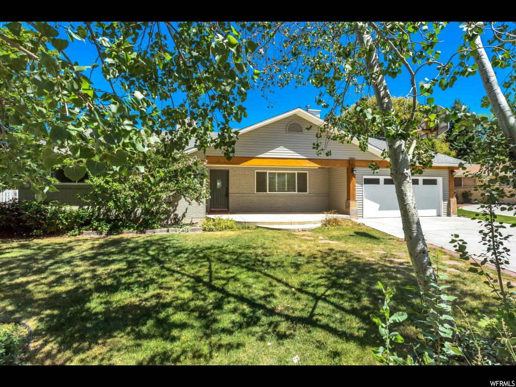 2261 E PANORAMA CIR, Holladay UT 84124
