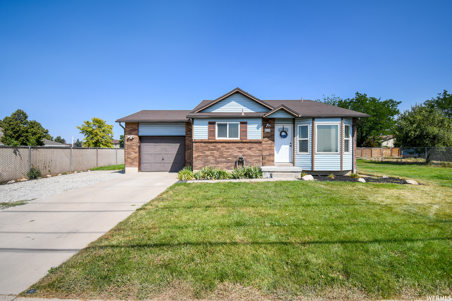 2114 W GORDON AVE, Layton UT 84041