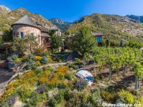 Villa per Vendita alle ore 2960 E OBERLAND Road Sandy, Utah 84092 Stati Uniti