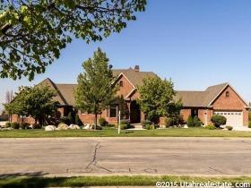 Casa Unifamiliar por un Venta en 1859 N BELLA VISTA Drive Farmington, Utah 84025 Estados Unidos