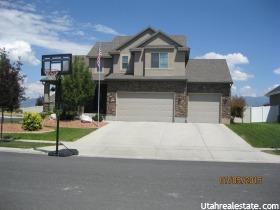 Moradia para Venda às 2408 N GREY-CROWN CRANE Drive Clinton, Utah 84015 Estados Unidos
