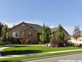 Casa Unifamiliar por un Venta en 1620 CRESTMONT WAY Kaysville, Utah 84037 Estados Unidos