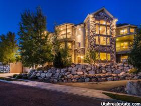 Casa Unifamiliar por un Venta en 4117 S HIDDEN RIDGE Circle Bountiful, Utah 84010 Estados Unidos
