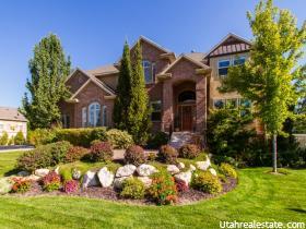 Casa Unifamiliar por un Venta en 1363 WHISPERING MEADOW Lane Kaysville, Utah 84037 Estados Unidos