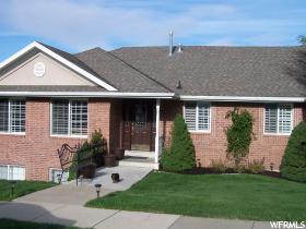 Casa Unifamiliar por un Venta en 1011 N 100 FARMINGTON HLS Farmington, Utah 84025 Estados Unidos