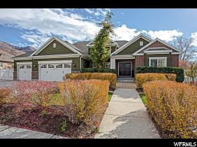 Maison unifamiliale pour l Vente à 1196 E BELLA VISTA Drive Fruit Heights, Utah 84037 États-Unis