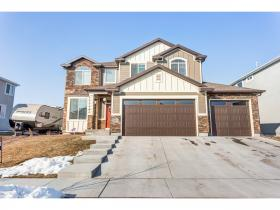 Home for sale at 117 E Water Ln, Vineyard, UT 84058. Listed at 364900 with 6 bedrooms, 4 bathrooms and 3,069 total square feet