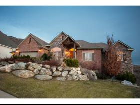 Maison unifamiliale pour l Vente à 496 E ISLAND VIEW Circle Farmington, Utah 84025 États-Unis