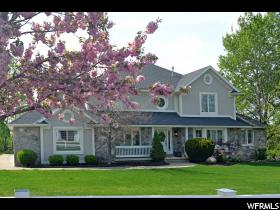 Maison unifamiliale pour l Vente à 1450 E GREEN Road Fruit Heights, Utah 84037 États-Unis