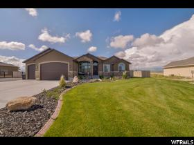Home for sale at 792 E Saddleranch Horn Dr, Grantsville, UT  84029. Listed at 349900 with 4 bedrooms, 3 bathrooms and 3,289 total square feet
