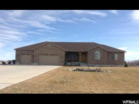 Home for sale at 628 N Warr St, Grantsville, UT  84029. Listed at 599000 with 6 bedrooms, 4 bathrooms and 5,682 total square feet