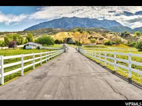 独户住宅 为 销售 在 5400 N CANYON Road 普若佛, 犹他州 84604 美国