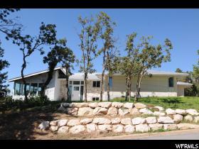 Casa Unifamiliar por un Venta en 1365 E OAKMONT Lane Fruit Heights, Utah 84037 Estados Unidos