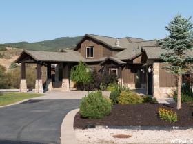 Casa Unifamiliar por un Venta en 6484 E SUMMIT COVE Drive Huntsville, Utah 84317 Estados Unidos