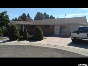 Home for sale at 2163 E Oliver Cir, Holladay, UT  84124. Listed at 424900 with 3 bedrooms, 3 bathrooms and 3,604 total square feet