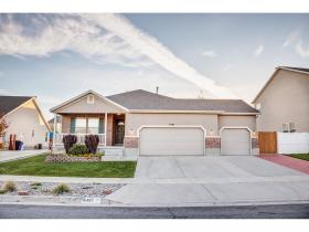 Home for sale at 6487 W Scarlet Oak Dr., West Jordan, UT 84081. Listed at 350000 with 6 bedrooms, 3 bathrooms and 3,430 total square feet
