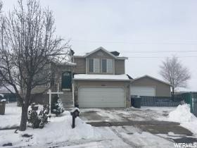 1989 W Sir Timothy Ave  - Click for details