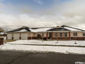 Home for sale at 618 S Teresa, Kaysville, UT 84037. Listed at 389900 with 3 bedrooms, 2 bathrooms and 2,536 total square feet