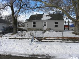 Home for sale at 162 S 450 East, Clearfield, UT  84015. Listed at 125000 with 2 bedrooms, 1 bathrooms and 1,184 total square feet