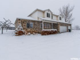 Home for sale at 1498 W Glovers Ln, Farmington, UT 84025. Listed at 534500 with 5 bedrooms, 5 bathrooms and 3,945 total square feet