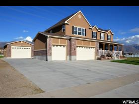 Home for sale at 26 N Bonneville, Kaysville, UT 84037. Listed at 549900 with 6 bedrooms, 4 bathrooms and 4,586 total square feet