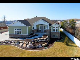 Home for sale at 520 S Sunset Dr, Kaysville, UT 84037. Listed at 559900 with 5 bedrooms, 4 bathrooms and 4,485 total square feet