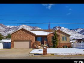 Home for sale at 812 N 400 West, Centerville, UT 84014. Listed at 399900 with 5 bedrooms, 4 bathrooms and 3,794 total square feet