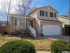 Home for sale at 723 W 1925 North, Centerville, UT 84014. Listed at 259900 with 3 bedrooms, 2 bathrooms and 1,886 total square feet