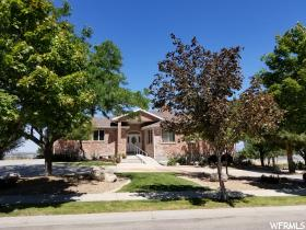 Home for sale at 2428 W Silverpoint Dr, Bluffdale, UT 84065. Listed at 649900 with 6 bedrooms, 5 bathrooms and 5,420 total square feet