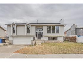 Home for sale at 4961 S Huntington Rd, Taylorsville, UT 84129. Listed at 274900 with 4 bedrooms, 2 bathrooms and 1,708 total square feet