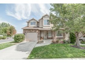 Home for sale at 781 S Creekview Dr, Layton, UT  84041. Listed at 270000 with 3 bedrooms, 3 bathrooms and 2,313 total square feet