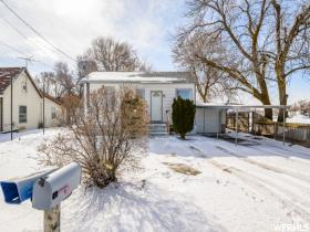 Home for sale at 421 W 17th St, Ogden, UT 84404. Listed at 153700 with 2 bedrooms, 1 bathrooms and 1,092 total square feet