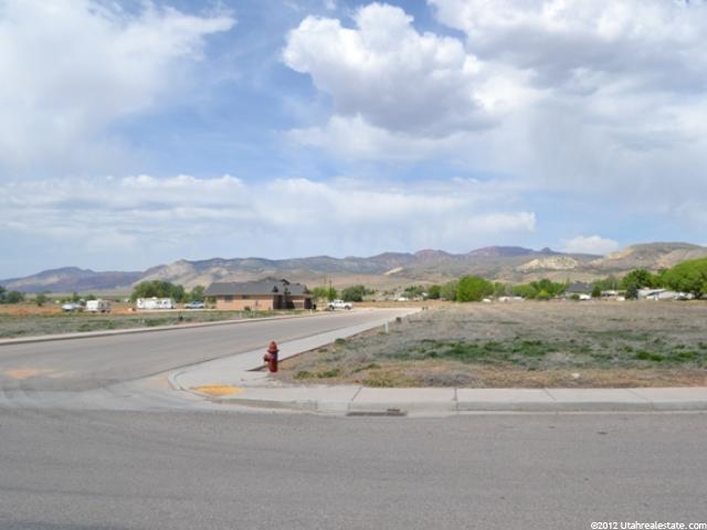 Additional photo for property listing at 196 E 140 S 196 E 140 S Aurora, Utah 84620 États-Unis