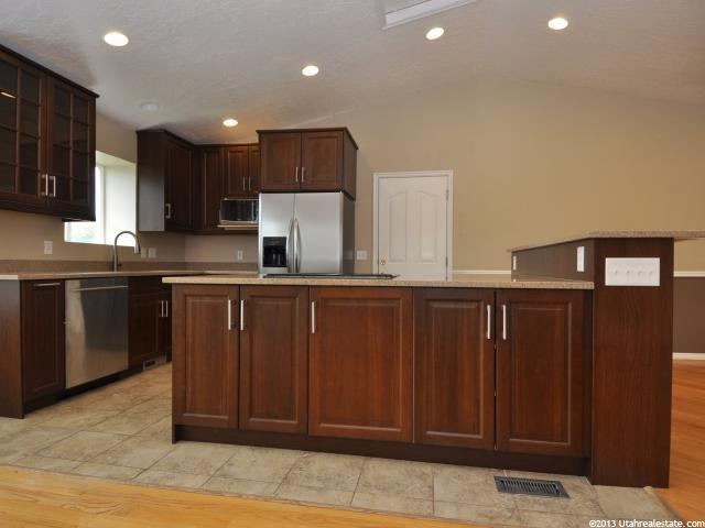 Additional photo for property listing at 1055 N 300 W 1055 N 300 W American Fork, 犹他州 84003 美国