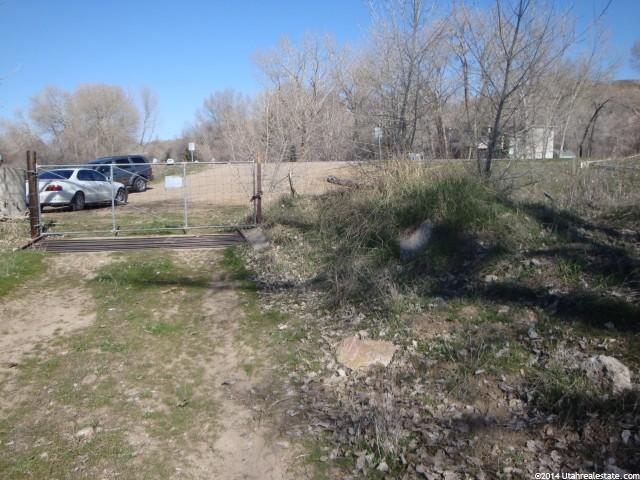 Additional photo for property listing at 901 E 6600 S 901 E 6600 S South Weber, Utah 84403 États-Unis