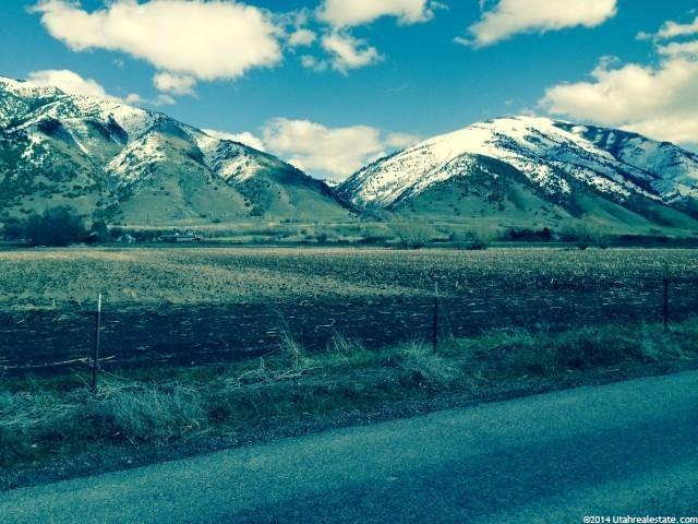 Additional photo for property listing at 3500 S 100 E 3500 S 100 E Millville, Utah 84326 États-Unis