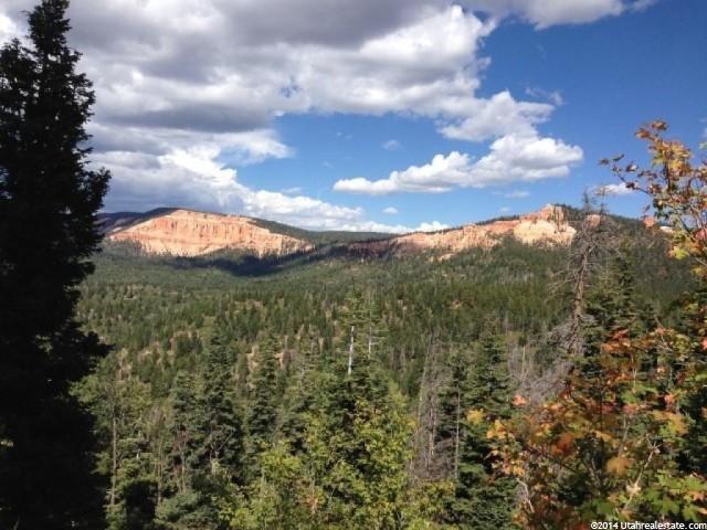 Terrain pour l Vente à 1 STRAWBERRY POINT 1687 ACRES Duck Creek Village, Utah 84762 États-Unis