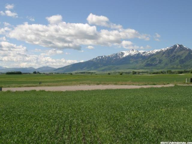 Additional photo for property listing at 6855 W 2700 N 6855 W 2700 N Petersboro, Utah 84325 Estados Unidos
