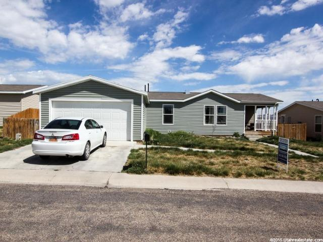 vernal homes for sale with a garage of 2 cars or more