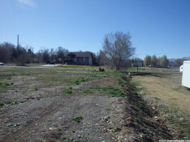 Additional photo for property listing at 300 W 100 S 300 W 100 S Hyrum, Utah 84319 États-Unis