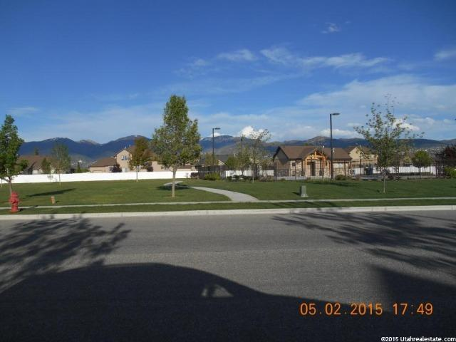 Additional photo for property listing at 1873 W 1500 S 1873 W 1500 S Woods Cross, Utah 84087 États-Unis