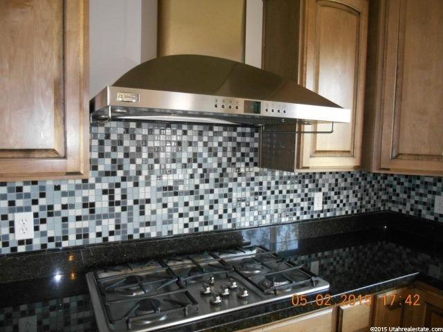 Additional photo for property listing at 1873 W 1500 S 1873 W 1500 S Woods Cross, Юта 84087 Соединенные Штаты