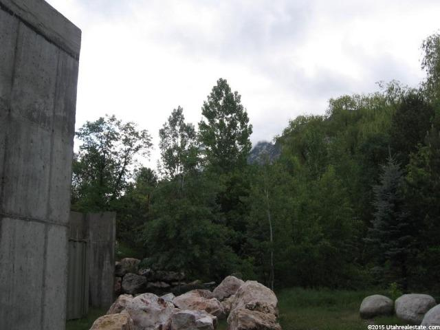 Additional photo for property listing at 8900 S 3750 E 8900 S 3750 E Sandy, Utah 84092 États-Unis